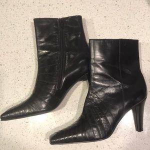 Ann Marino Black Leather Ankle Boots